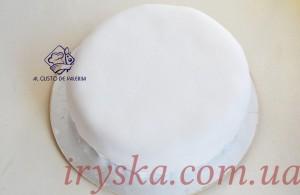 Торт , який покритий мастикою