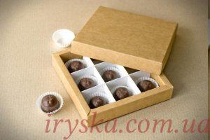 Коробка для цукерок, макаронсів та печива